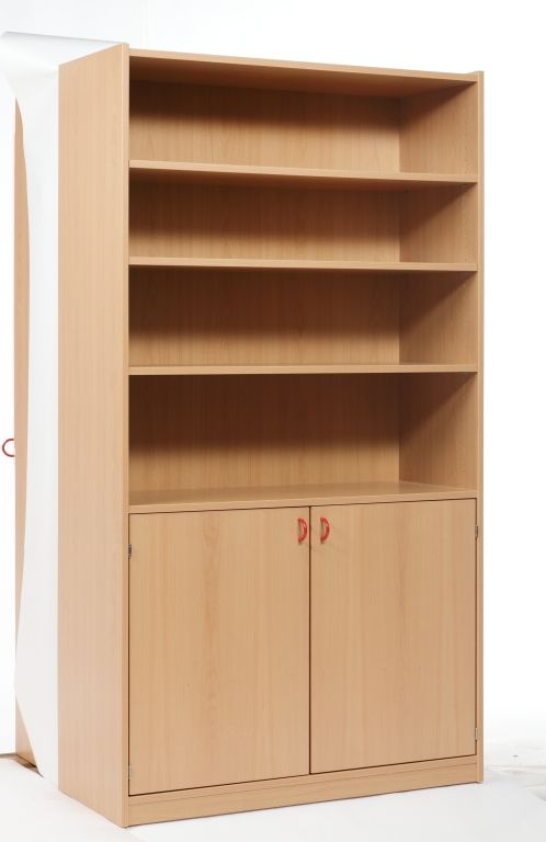 Cabinet with 2 doors and shelves
