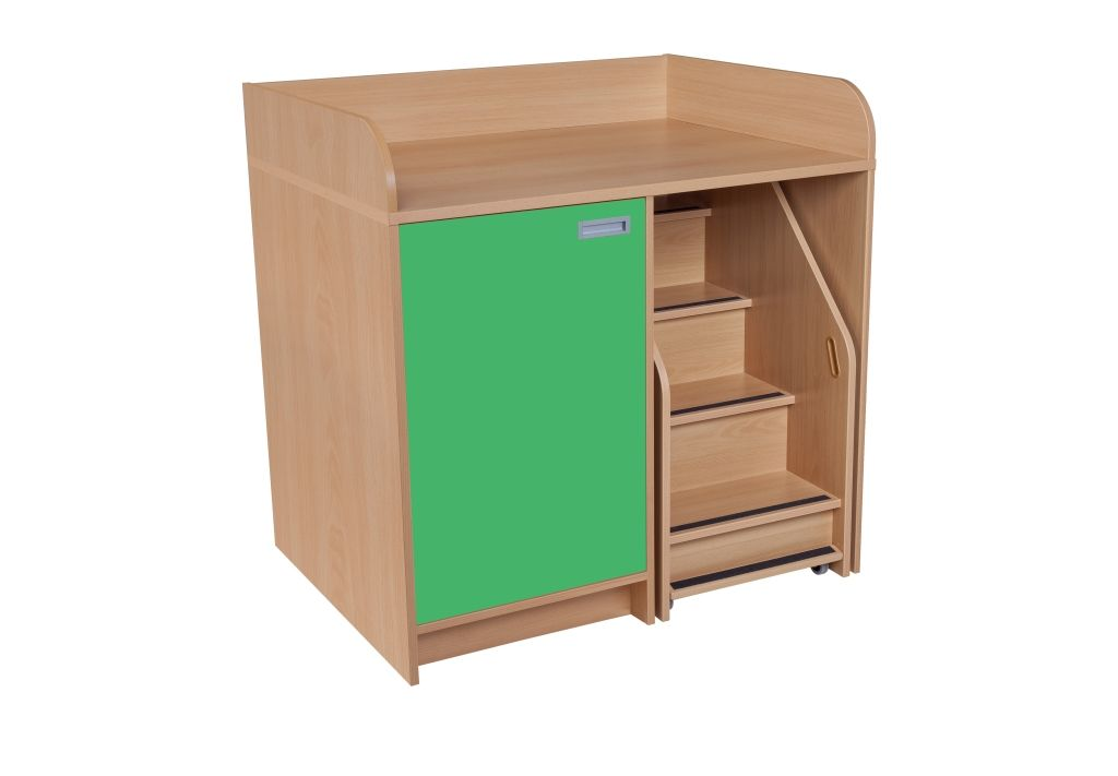 Batching cupboard with 1 door and staircase