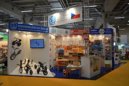 Our_stand_SWM2016.JPG